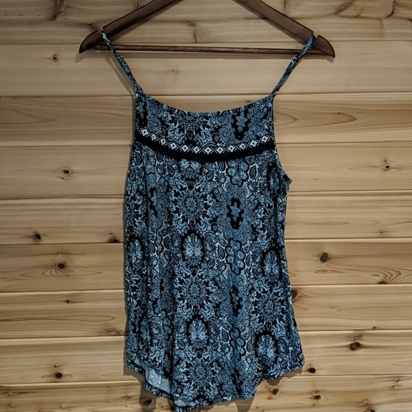 3/$20 Maurices Navy Blue Patterned Tank Top Small